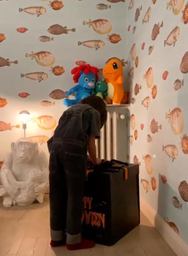 Stefano De Martino ha allestito la cameretta per il figlio nella sua nuova casa: guarda