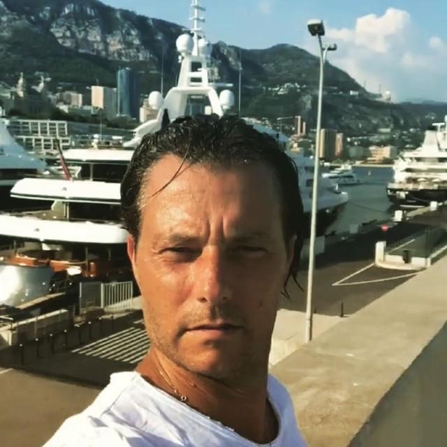 Il marito di Adriana Volpe sembra confermare la crisi: 'Mia figlia piange'