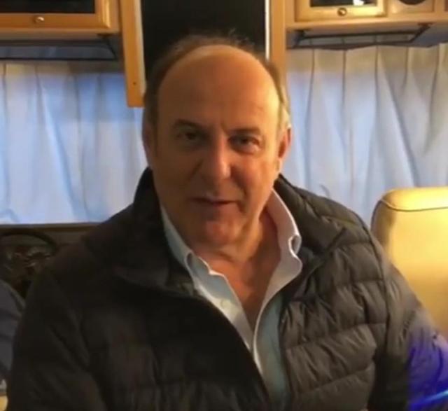 Gerry Scotti, 64 anni, ha rivelato come pensa di aver contratto il Covid, il terribile virus respiratorio che l'ha costretto ad essere ospedalizzato