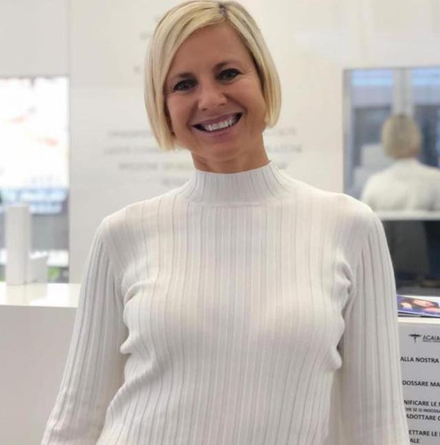 Antonella Elia, 57 anni, prende 15mila euro a puntata al 'Grande Fratello Vip'? Lo spiffero di Roberto Alessi