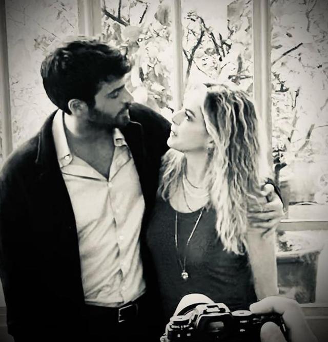 Can Yaman, il bellissimo attore turco nello spot con Claudia Gerini: foto