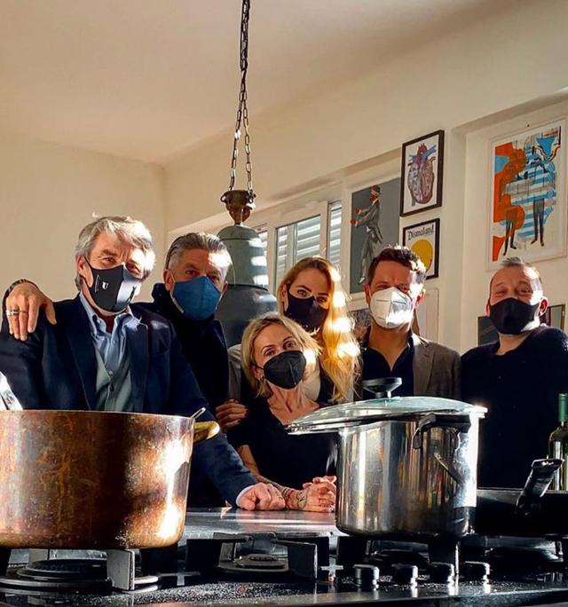 Ilary Blasi a Milano: al via i preparativi per l'Isola dei Famosi