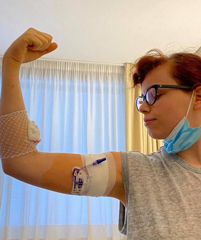 La figlia di Jovanotti: 'Mi è stato diagnosticato un tumore, ora...'