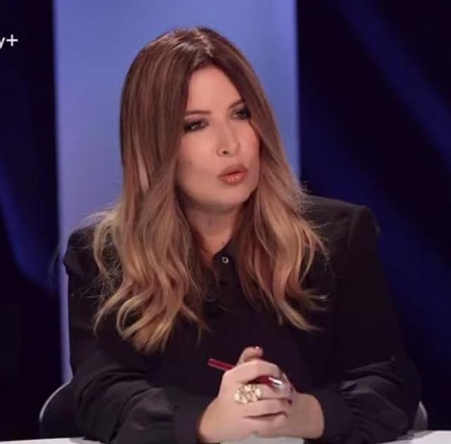 Selvaggia Lucarelli contro Maria De Filippi: 'Lei come Ponzio Pilato'
