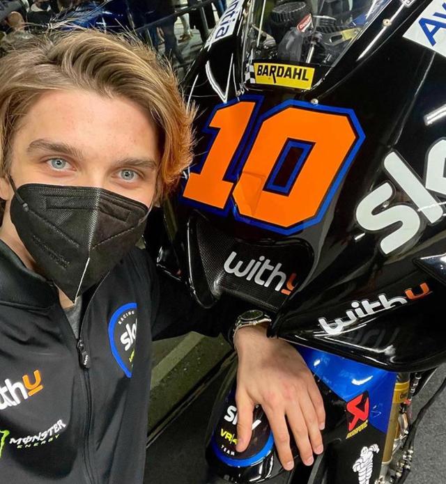 Valentino Rossi e il fratello rivali in pista: ecco chi è Luca Marini
