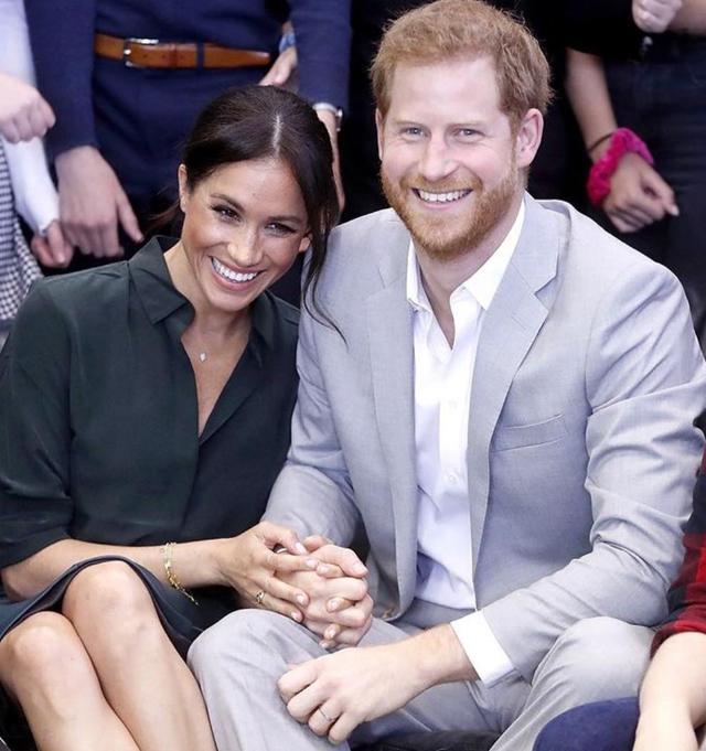Il Principe Harry, 36 anni, e la moglie Meghan Markle, 39, hanno deciso di rimanere al sole della California e non tornare nella grigia Londra: nonna Elisabetta si è vendicata