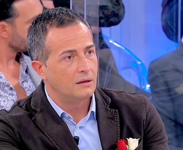 Uomini e Donne: Riccardo Guarnieri sorprende tutti ed esce con Roberta
