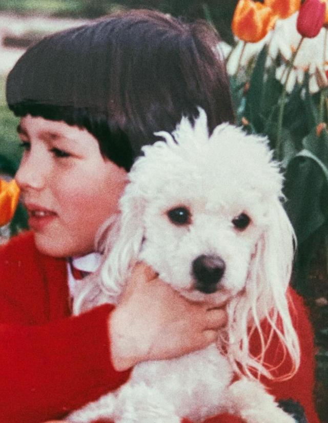 Riconoscete questa bambina? Oggi è una famosa modella, ex moglie di un cantante…