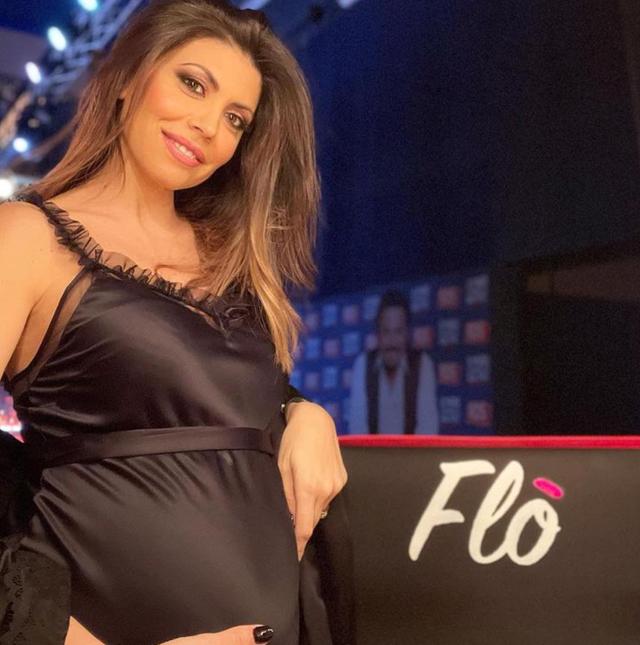 Flora Canto incinta di quasi 6 mesi rivela quanti chili ha preso finora