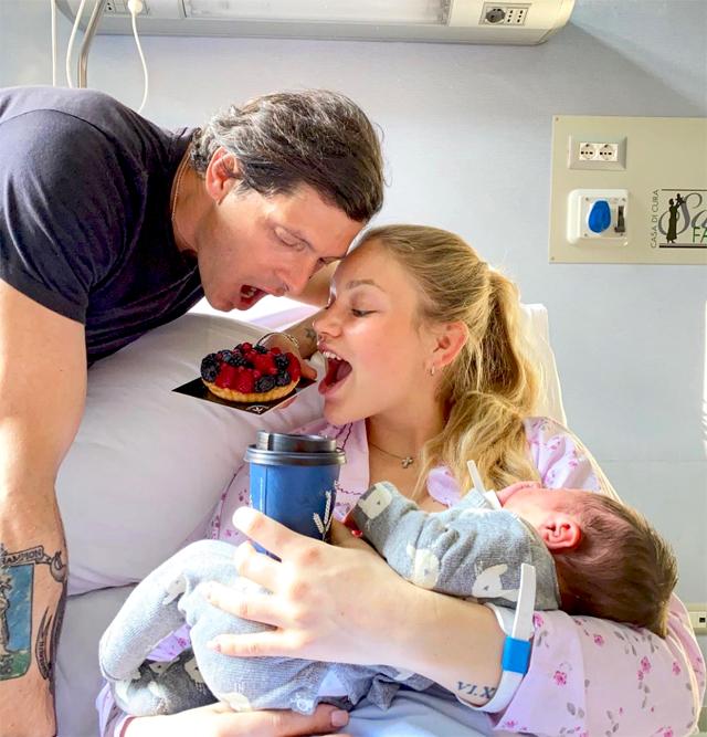 Aldo Montano, 42 anni, e la moglie Olga Plakhina insieme al piccolo Mario