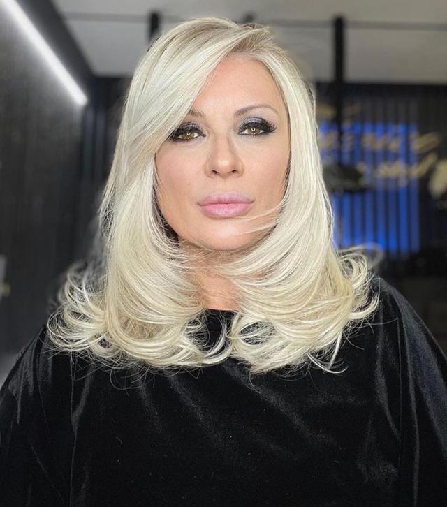 Tina Cipollari, 55 anni, ha spiegato perché Maria De Filippi non sarà la sua testimone di nozze