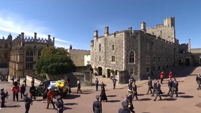 La processione funebre per il Principe Filippo al Castello di Windsor