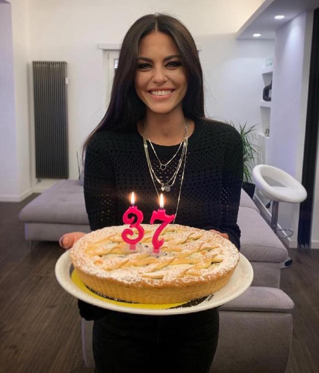 Pamela Camassa festeggia i 37 anni: la sorpresa di Filippo Bisciglia