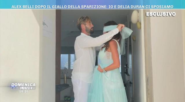 Alex Belli e Delia Duran si sposano: le immagini della proposta di matrimonio