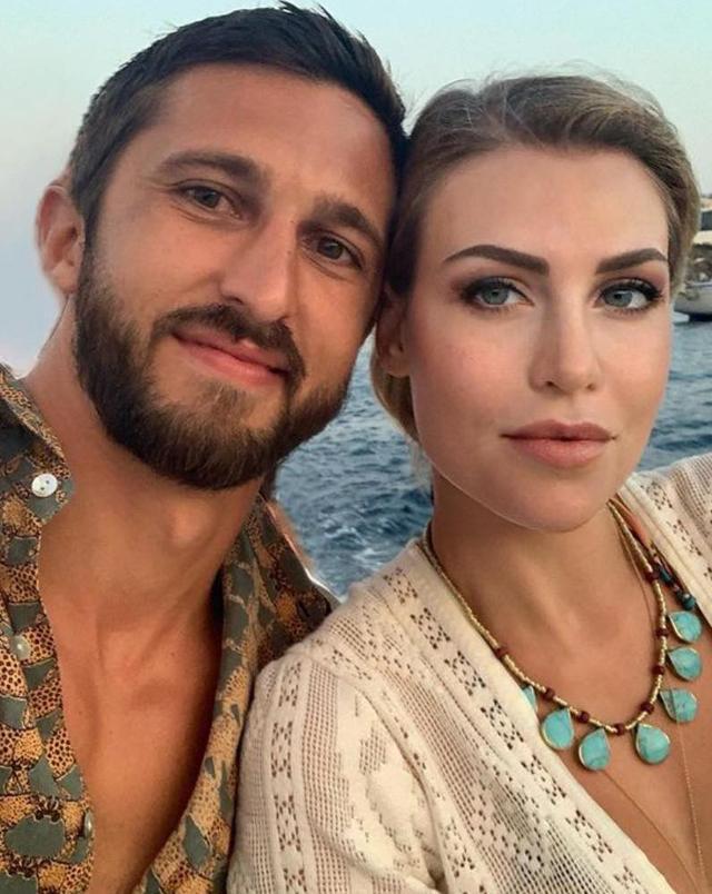 Barbara Berlusconi, 36 anni, e il compagno Lorenzo Guerrieri, 31, starebbero per diventare genitori del loro terzo figlio insieme, il quinto per la figlia dell'ex premier