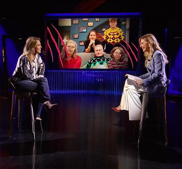 Sonia junto a la presentadora del programa Francesca Fagnani