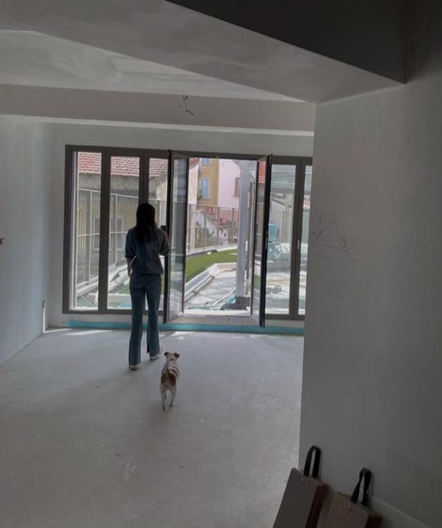 Cecilia Rodriguez mostra un po' della casa nuova in ristrutturazione presa con Ignazio Moser: le immagini