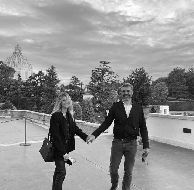 Luca Argentero e Cristina Marino, visita privata ai Musei Vaticani: 'Esperienza estrema'