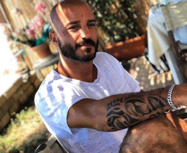 Nicolas Vaporidis sulla sua calvizie: 'All'inizio ho rosicato, poi...'