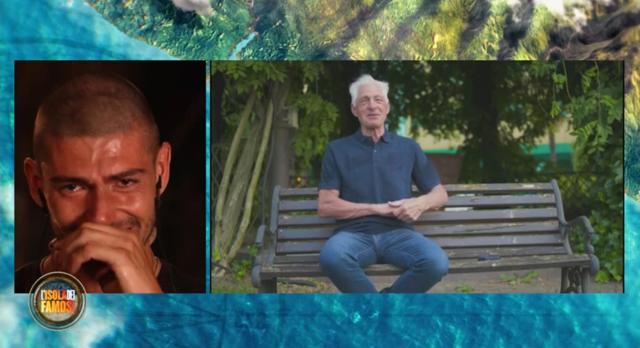 Ignazio Moser piange: in lacrime all'Isola per l'inaspettato messaggio del padre