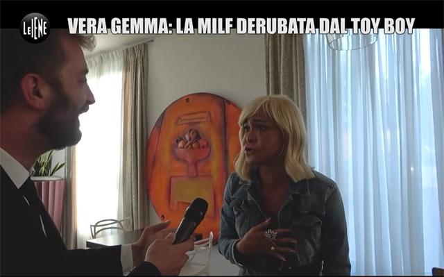 Llega Stefano Corti, corresponsal de 'Le Iene', y Vera se entera de que es una pésima broma