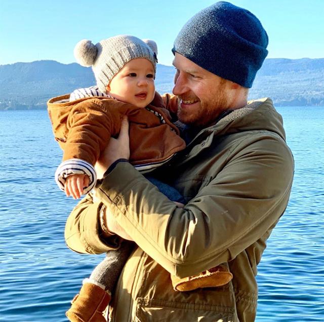 Harry junto con su hijo mayor Archie, que ahora tiene 2 años.