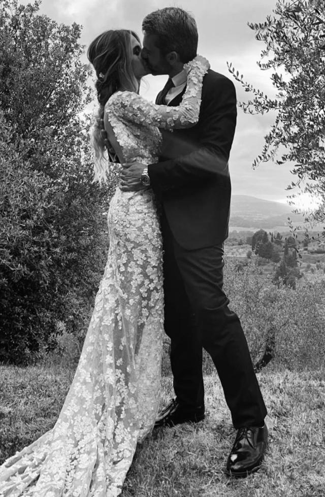 Cristina Marino e Luca Argentero, i dettagli delle nozze: 'Cerimonia nel bosco di casa tra gli ulivi'