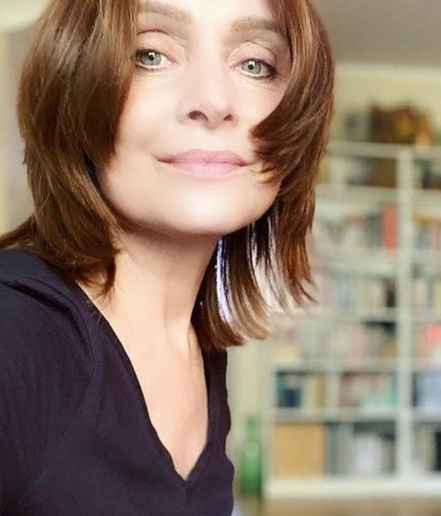 Sabrina Paravicini: 'Seno arrossato, pelle ruvida e capezzolo rientrato, ecco come mi sono accorta di avere un cancro'