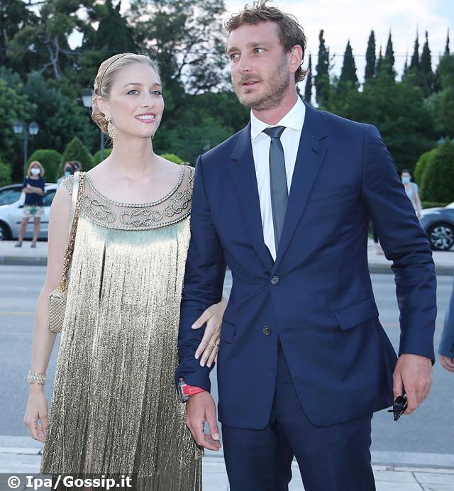 Beatrice Borromeo e Pierre Casiraghi tornano mondani alla sfilata di Dior: coppia da sogno