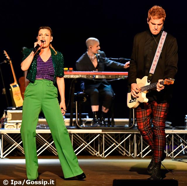Tornano i concerti: Emma Marrone fa il pienone, grande successo per il suo tour