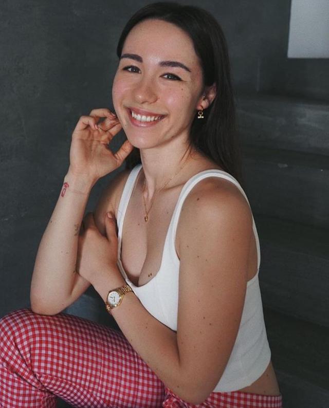 Aurora Ramazzotti ripercorre il momento buio: 'Mi davano dello scorfano, ho avuto crisi isteriche e disturbi alimentari'