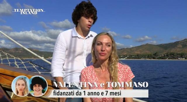 Parte Temptation Island: Tommaso e Valentina, 21 e 40 anni, già 'star': nella prima puntata gelosia, pianti e...