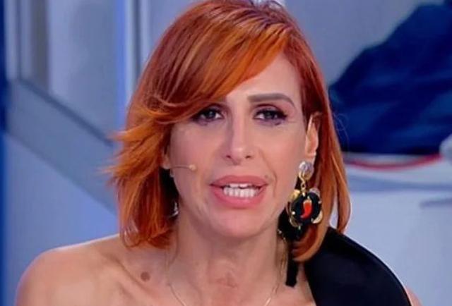 Una famosa ex Dama del Trono Over di Uomini e Donne ha un tumore al seno: ecco chi è