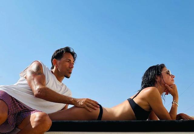 Giorgia, con Emanuel Lo passione sempre al massimo, lui le tocca il lato B: foto