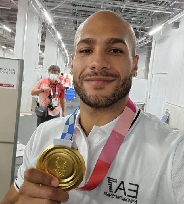 Marcell Jacobs, oro nei 100 metri all'Olimpiade di Tokyo, annuncia le nozze con Nicole