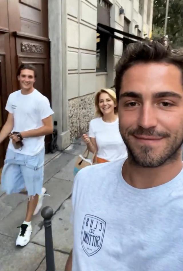 Tommaso Zorzi e il fidanzato, presentazioni in famiglia: con la madre feeling immediato