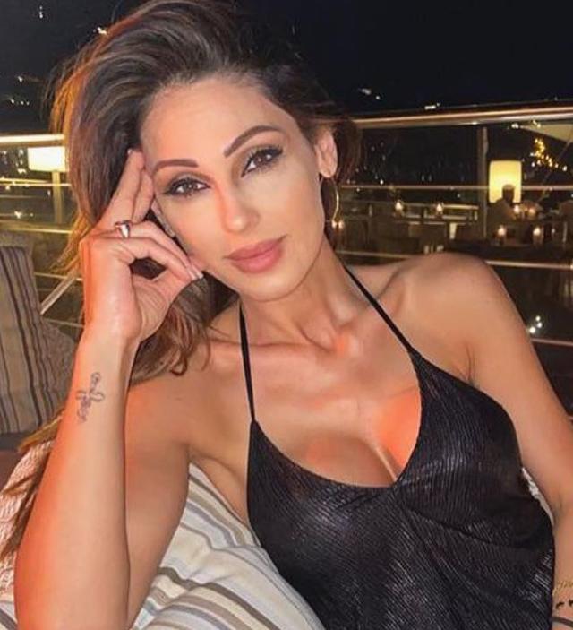 Gigi D'Alessio di nuovo padre, per 'Chi' Anna Tatangelo sarebbe infuriata: il motivo