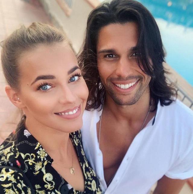 Ivana Mrazova, 29 anni, ha 'corretto' la versione data dall'ex Luca Onestini, 28, sulla fine della loro relazione