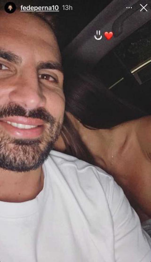 Una foto dell'imprenditore Federico Perna con quella che, dicono alcuni, sarebbe Guendalina