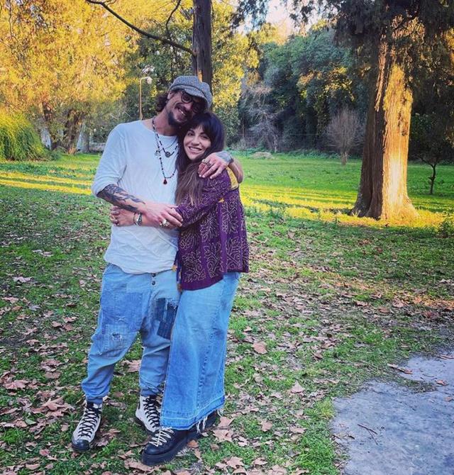 Dani Osvaldo festeggia i 6 mesi d'amore con Gianinna, la figlia di Maradona: foto
