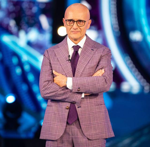 Alfonso Signorini smentisce: 'Al GF Vip nessun super cachet per i concorrenti'