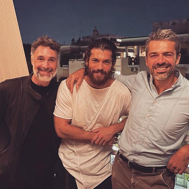 Luca Argentero, la foto con Can Yaman e Raoul Bova manda in estasi le fan