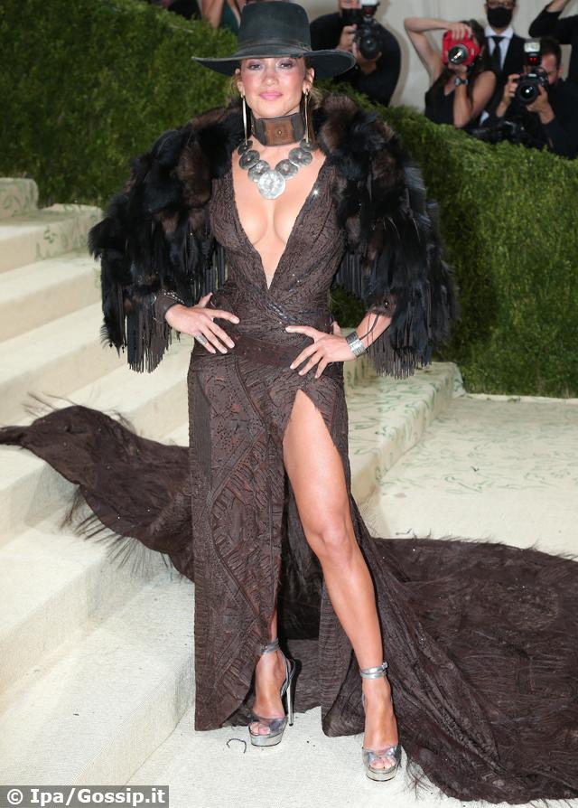 MET Gala 2021, sul red carpet Jennifer Lopez, la figlia di Madonna e tanti altri: foto