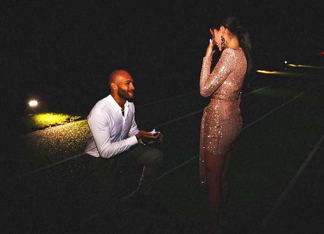 Marcell Jacobs, proposta di matrimonio sulla pista d'atletica per Nicole: foto