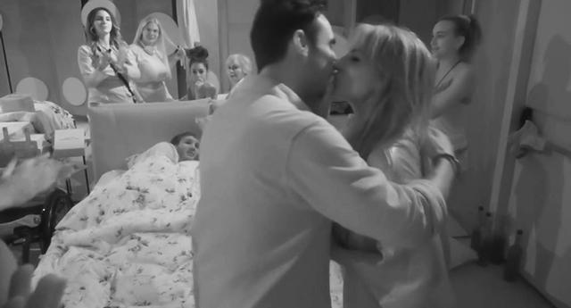 Miriana Trevisan bacia il figlio di Patrizia Mirigliani al GF Vip