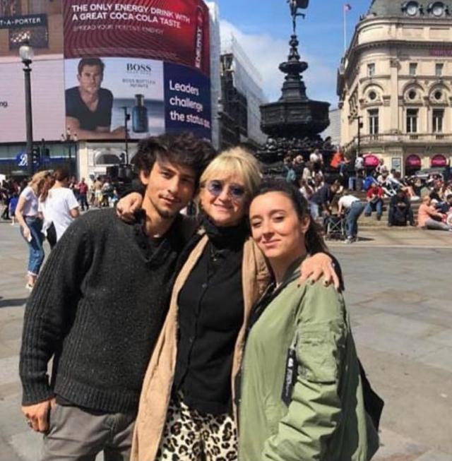 Luciana Littizzetto con i figli Jordan e Vanessa
