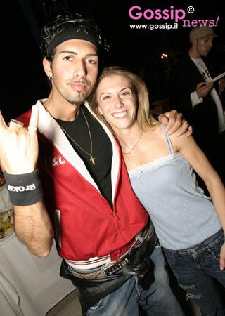 Milano moda donna p e 2005 foto e gossip by gossip news for Strano gemelli diversi