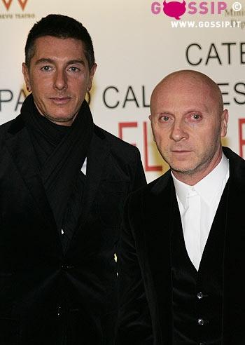 5bb43d09e6457 Alessia Marcuzzi si prende una pausa dai tanti impegni di lavoro e corre a  teatro per vedere il fidanzato Pietro Sermonti, impegnato a Milano con lo  ...