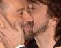 Fabio Volo e Sergio Rubini si scambiano un bacio