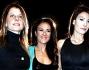 Ilaria D'Amico insieme a Giusy Versace e Katia Serra posano per i fotografi